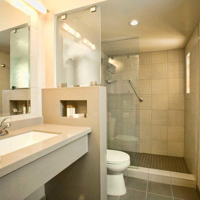 Gold Coast Casino Suite Bathroom